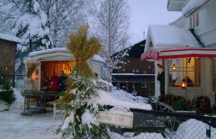 Tradisjonelt Julehus på Valstad Cafe